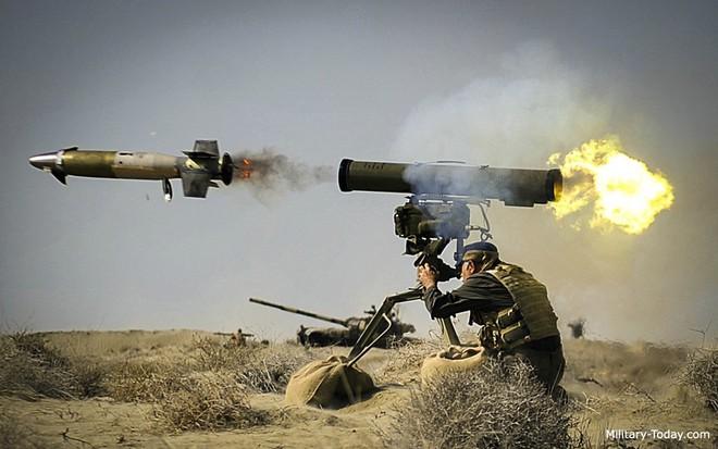 Tên lửa chống tăng đại náo Syria: T-90 thần thánh của Nga cũng tan xác! - Ảnh 1.