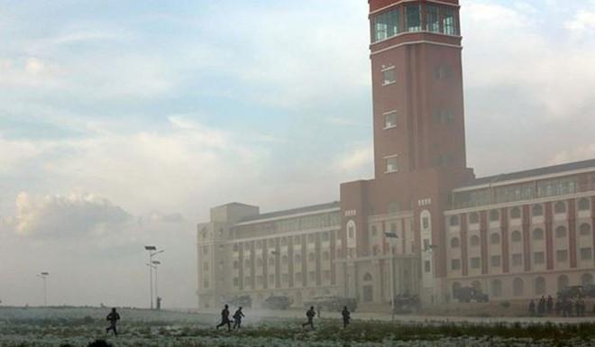 Có gì trong căn cứ huấn luyện lớn nhất Trung Quốc? - Ảnh 1.