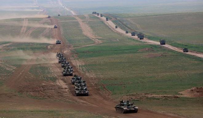 Có gì trong căn cứ huấn luyện lớn nhất Trung Quốc? - Ảnh 3.