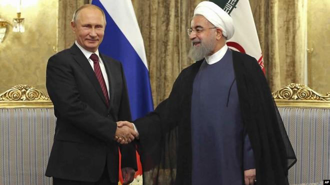 Iran vẫn chưa phải dùng vũ khí cuối cùng: Nga sẽ giúp tập trận trước mũi Tàu sân bay Mỹ? - Ảnh 1.