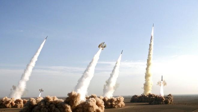 Iran dàn trận địa tên lửa đón lõng máy bay Mỹ: Mưu sâu, kế hiểm! - ảnh 3