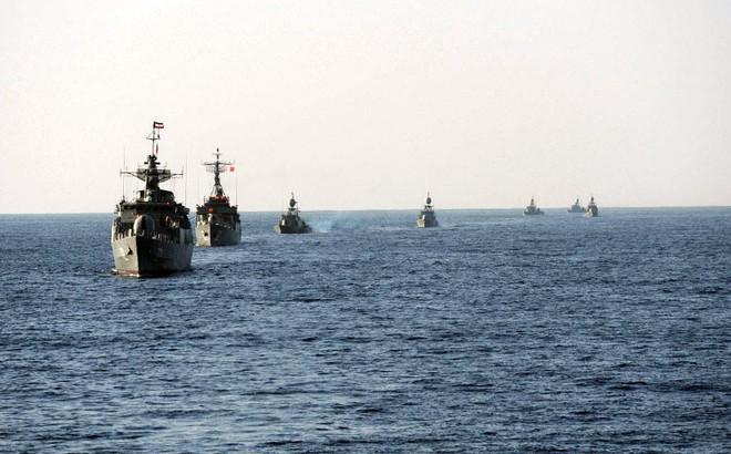 """Iran vẫn chưa phải dùng """"vũ khí cuối cùng"""": Nga sẽ giúp tập trận trước mũi Tàu sân bay Mỹ?"""
