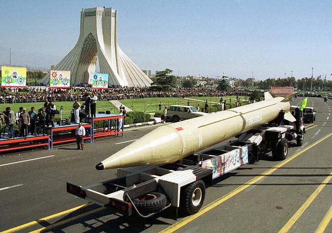 Iran dàn trận địa tên lửa đón lõng máy bay Mỹ: Mưu sâu, kế hiểm! - ảnh 2