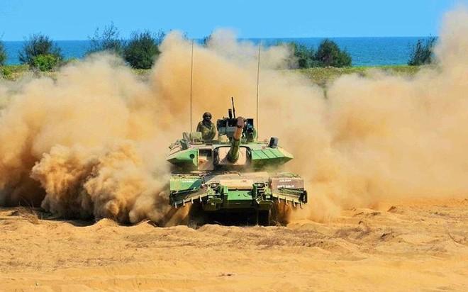 Lý do nào khiến dòng tăng T-90 Nga chiếm trọn cảm tình của Ấn Độ? - ảnh 1