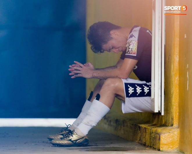 Nhìn lại 1 tuần khủng hoảng của bộ tứ trung vệ và 3 thủ môn hay nhất của HLV Park Hang-seo - Ảnh 1.