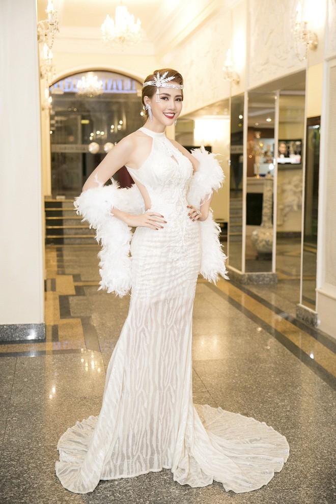 Phan Thị Mơ đeo nhẫn kim cương 5,5 tỷ đồng, lên tiếng trước tin đồn sắp lấy chồng đại gia - Ảnh 2.