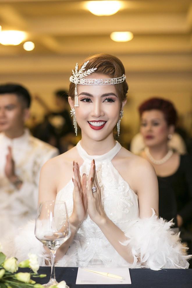 Phan Thị Mơ đeo nhẫn kim cương 5,5 tỷ đồng, lên tiếng trước tin đồn sắp lấy chồng đại gia - Ảnh 8.