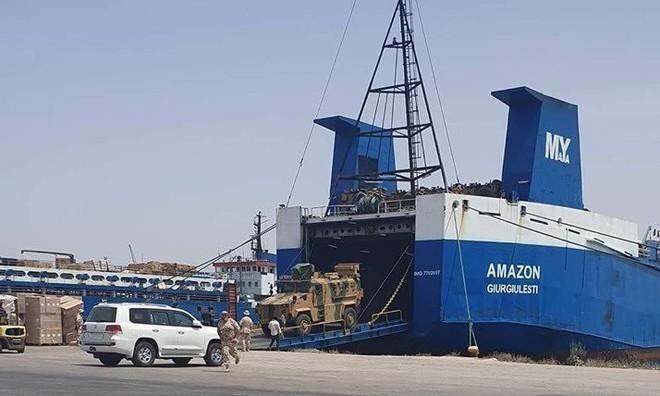 Thổ Nhĩ Kỳ và Qatar ùn ùn bơm hàng cho GNA: Chiến dịch phản công Tripoli khởi động - Ảnh 7.