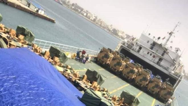 Thổ Nhĩ Kỳ và Qatar ùn ùn bơm hàng cho GNA: Chiến dịch phản công Tripoli khởi động - Ảnh 3.