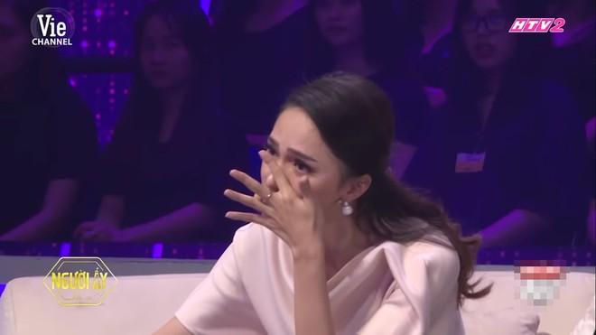 Hương Giang bật khóc nức nở trên truyền hình vì câu nói: Con xin lỗi vì không cho bố một người con dâu - Ảnh 6.