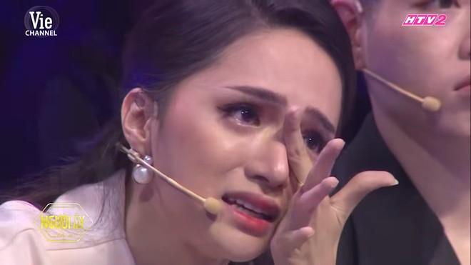 Hương Giang bật khóc nức nở trên truyền hình vì câu nói: Con xin lỗi vì không cho bố một người con dâu - Ảnh 5.