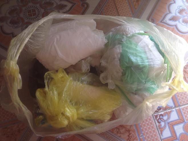 Những túi rác chứa đựng bí mật giấu bên trong khiến người ta xúc động - ảnh 4