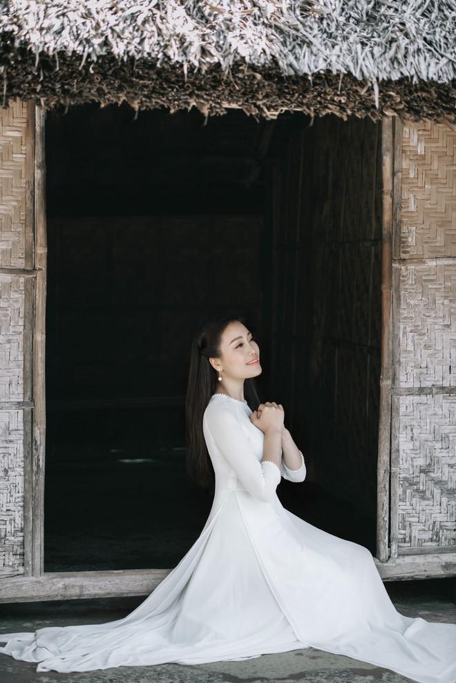 Sao Mai Huyền Trang ra MV ca ngợi vẻ đẹp quê hương xứ Nghệ - ảnh 1