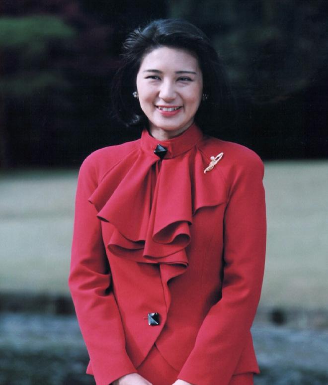 """Từ nhan sắc cho đến phong cách thời trang, Hoàng Hậu Masako Owada đều toát lên khí chất của""""mẫu nghi thiên hạ"""" - Ảnh 2."""