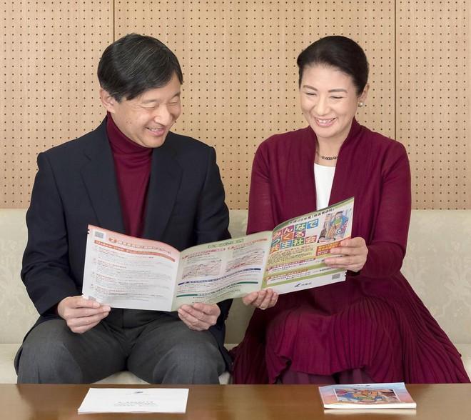"""Từ nhan sắc cho đến phong cách thời trang, Hoàng Hậu Masako Owada đều toát lên khí chất của""""mẫu nghi thiên hạ"""" - Ảnh 15."""