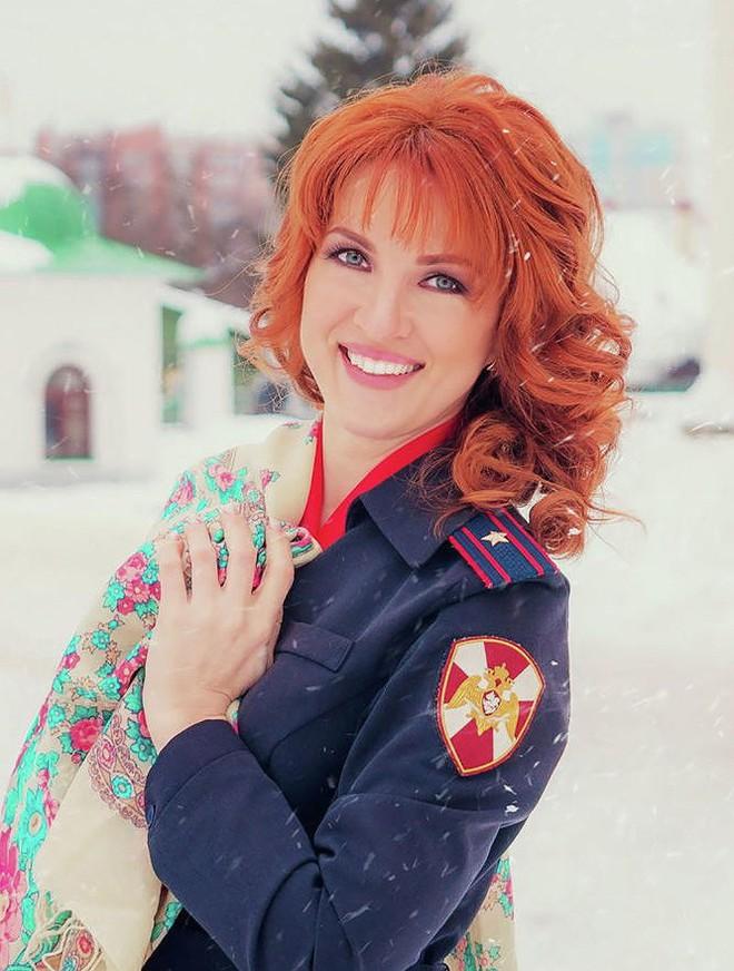 [Ảnh] Những nữ sĩ quan duyên dáng, xinh đẹp trong lực lượng cảnh sát Nga - ảnh 10