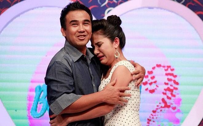 Quyền Linh tuyên bố sẽ tạm dừng mọi hoạt động showbiz vì bị chỉ trích, nhiều sao Việt lên tiếng