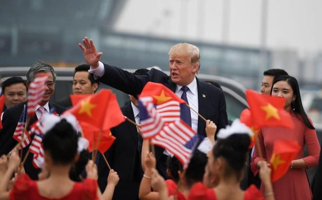 """Hoàn Cầu tự tin: Việt Nam cũng không """"cứu"""" được Mỹ trong thương chiến vì còn đang học TQ"""