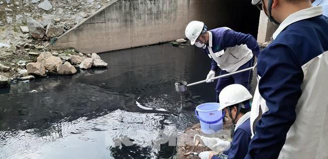 Sau 4 ngày thử nghiệm bảo bối của Nhật, sông Tô Lịch đã bớt mùi - Ảnh 3.