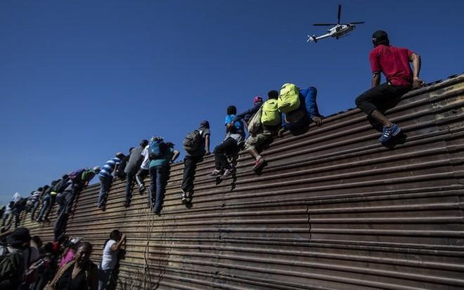 Chuyện ít biết về khủng hoảng di cư Mỹ: Bài 1 - Sự điên rồ nơi biên giới Mỹ - Mexico - ảnh 2