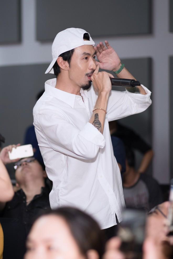 Rapper Đen và Min tình tứ hát chung - ảnh 8