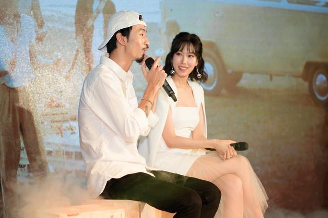 Rapper Đen và Min tình tứ hát chung - ảnh 5