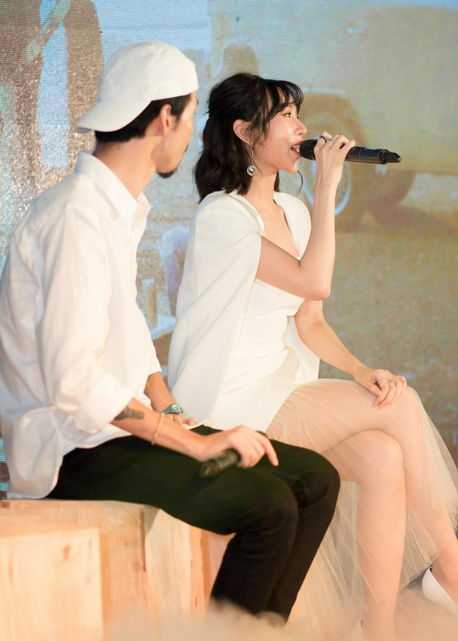 Rapper Đen và Min tình tứ hát chung - ảnh 6