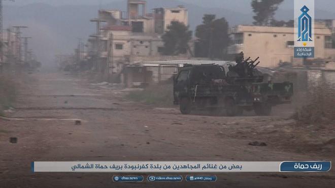 QĐ Syria đang đứng trước thế ngàn cân treo sợi tóc ở Hama - Ngày đen tối chưa từng có - Ảnh 10.