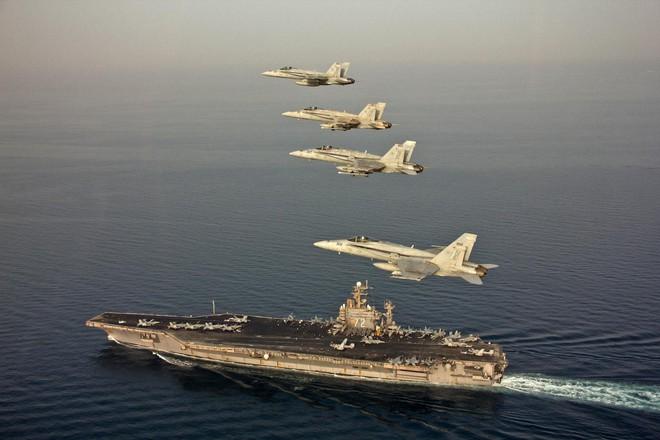 Cụm tác chiến tàu sân bay Mỹ đủ sức tiêu diệt không quân Iran hay chỉ là hổ giấy? - Ảnh 1.