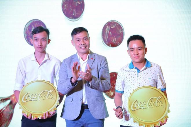 """""""Check-in"""" xuyên Việt chỉ trong một ngày, giới trẻ mê mẩn bộ lon Coca-Cola đặc biệt! - Ảnh 7."""