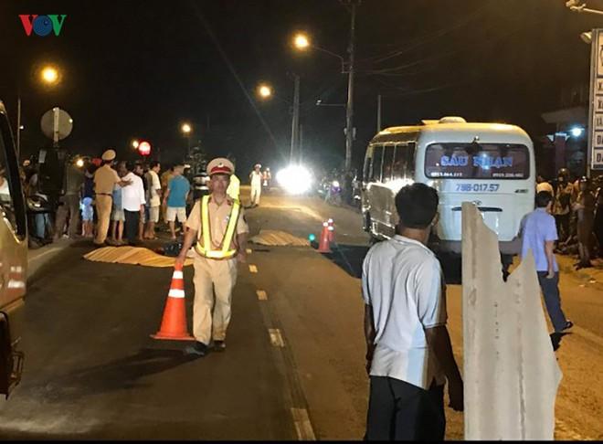 2 vợ chồng ở Bình Định tử vong khi va chạm với xe tải - Ảnh 2.