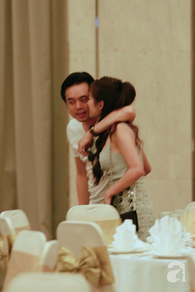 Hot: Dương Khắc Linh cùng vợ sắp cưới khoác vai, công khai ôm hôn tình tứ trước ngày lên xe hoa - ảnh 11