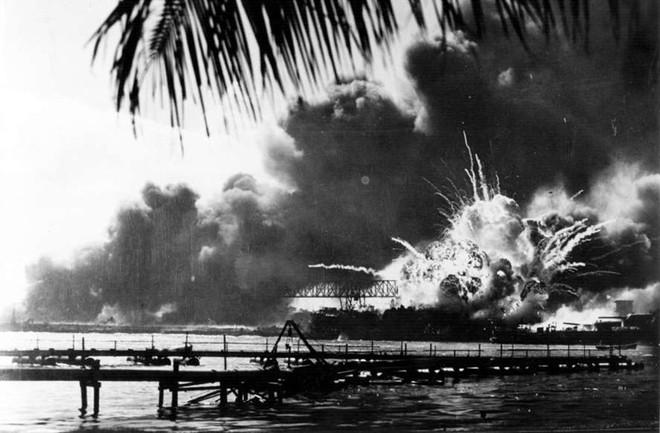Những khoảnh khắc ám ảnh trong Thế chiến 2 - ảnh 16