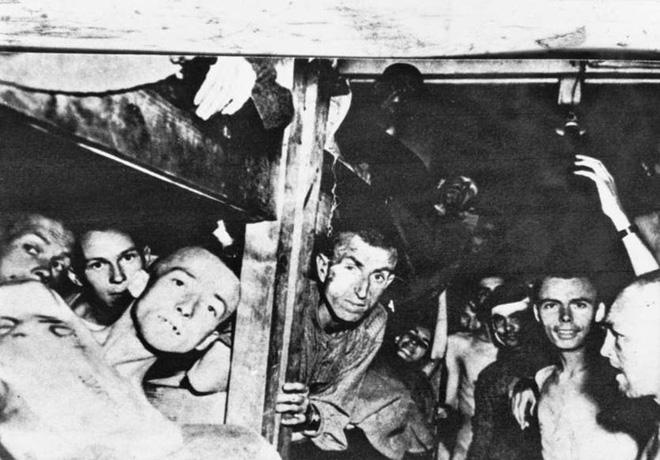 Những khoảnh khắc ám ảnh trong Thế chiến 2 - ảnh 17