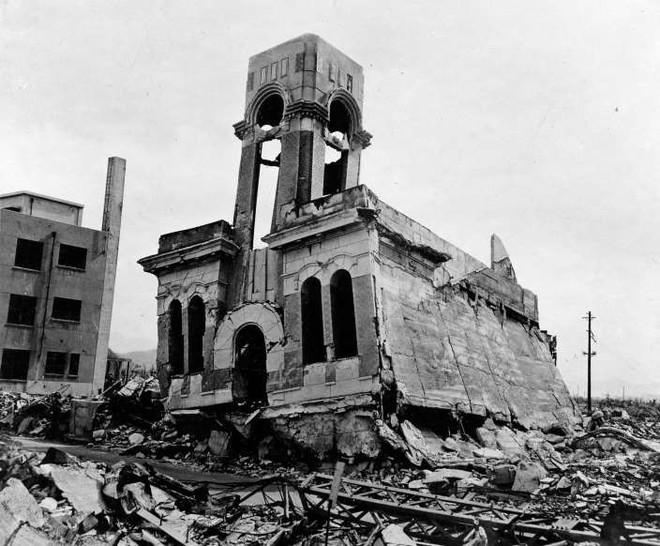 Những khoảnh khắc ám ảnh trong Thế chiến 2 - ảnh 18