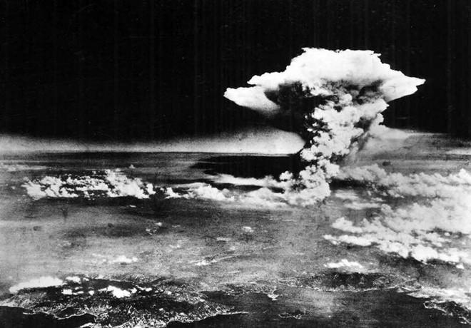 Những khoảnh khắc ám ảnh trong Thế chiến 2 - ảnh 3