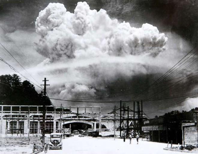 Những khoảnh khắc ám ảnh trong Thế chiến 2 - ảnh 8