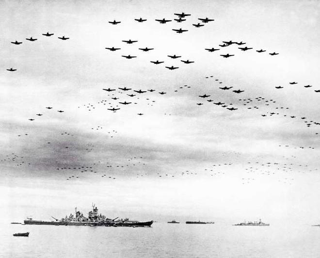Những khoảnh khắc ám ảnh trong Thế chiến 2 - ảnh 10
