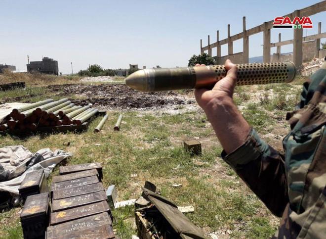 Quân đội Syria tóm sống kho vũ khí khổng lồ của phiến quân: Toàn hàng khủng! - Ảnh 3.