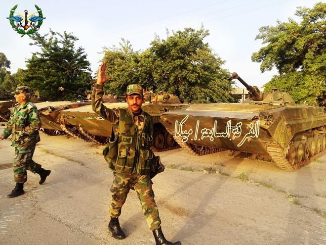 Lính QĐ Syria bóc trần sự khốc liệt chưa từng có - Phiến quân bị đẩy xuống bờ vực - Ảnh 19.