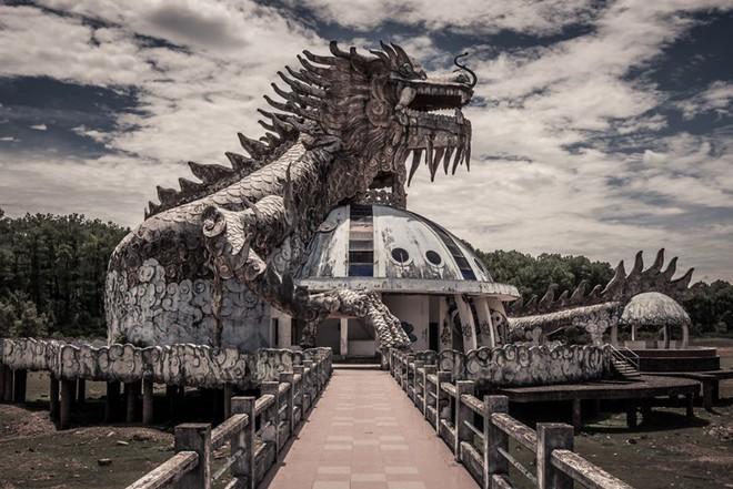 """Công viên nước bị bỏ hoang ở Huế bỗng dưng """"hot"""" trở lại sau 15 năm: Bí ẩn """"ma mị"""" mãi vẫn chưa có lời giải đáp - Ảnh 4."""