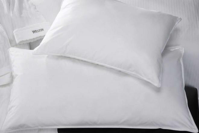 Bí quyết về 2 chiếc gối trên giường ngủ: Ai muốn ngủ ngon sâu giấc thì nên tham khảo - Ảnh 2.