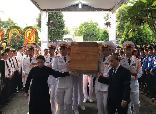 Lễ an táng cố Chủ tịch nước Lê Đức Anh ở TP Hồ Chí Minh - Ảnh 12.