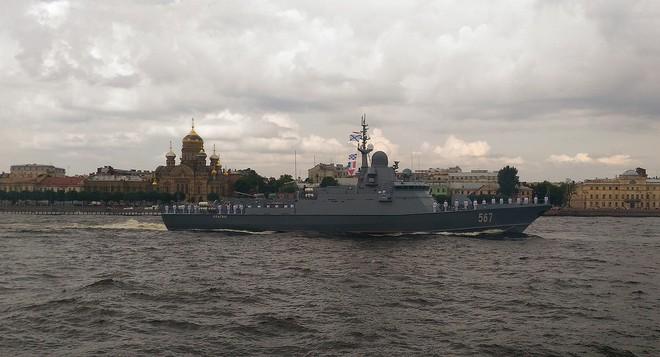 Hạm đội tàu mặt nước Nga bị đâm những nhát dao chí mạng: Mớ hỗn loạn đen tối! - Ảnh 5.