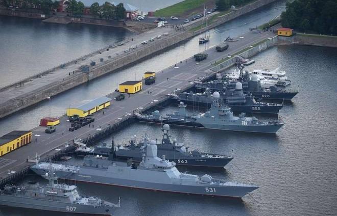 Hạm đội tàu mặt nước Nga bị đâm những nhát dao chí mạng: Mớ hỗn loạn đen tối! - Ảnh 2.