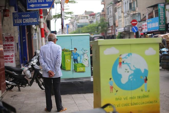 Hàng loạt bốt điện ở Hà Nội nở hoa - Ảnh 8.