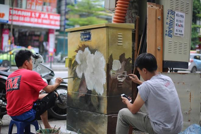 Hàng loạt bốt điện ở Hà Nội nở hoa - Ảnh 9.