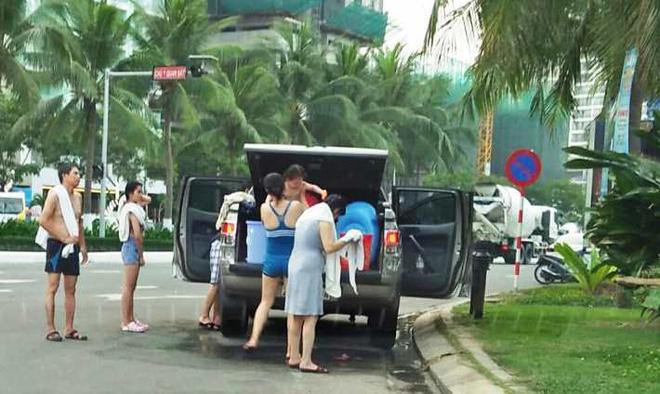 Chủ tịch Huỳnh Đức Thơ chỉ ra thực trạng của dịch vụ rẻ nhất thế giới tại Đà Nẵng - Ảnh 2.