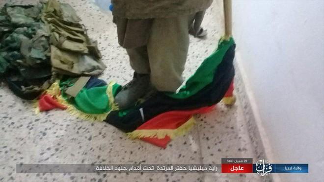 IS bất ngờ tấn công Quân đội Quốc gia Libya (LNA) - Ảnh 2.