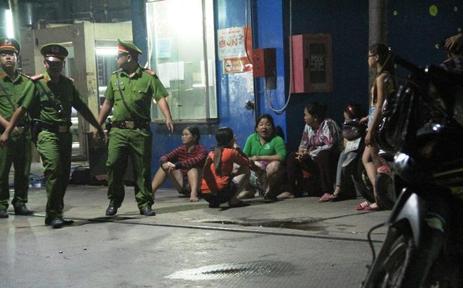 Cô gái ở Sài Gòn đâm chết người bạn trai say rượu đang sống chung như vợ chồng